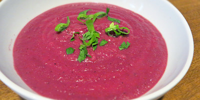 Purple Veggie Ginger Curry Soup - Blend by Grassfed Farmacy @grassfedfarmacy